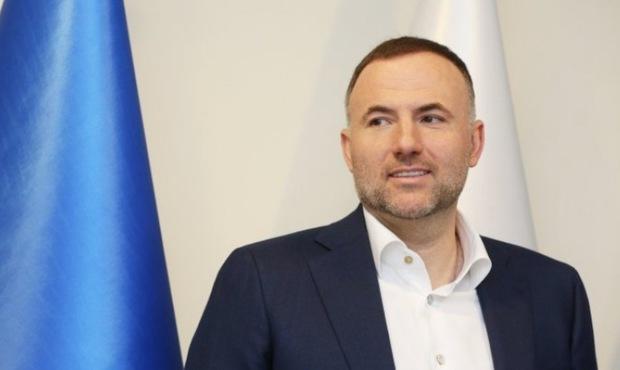 Фуксов и Волков отсудили долги Барщовского