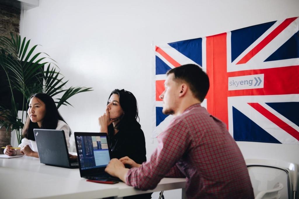 Преимущества обучения в онлайн школе иностранного языка